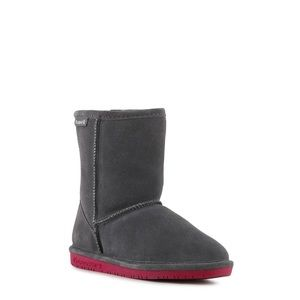 Bearpaw Emma toddler boot.